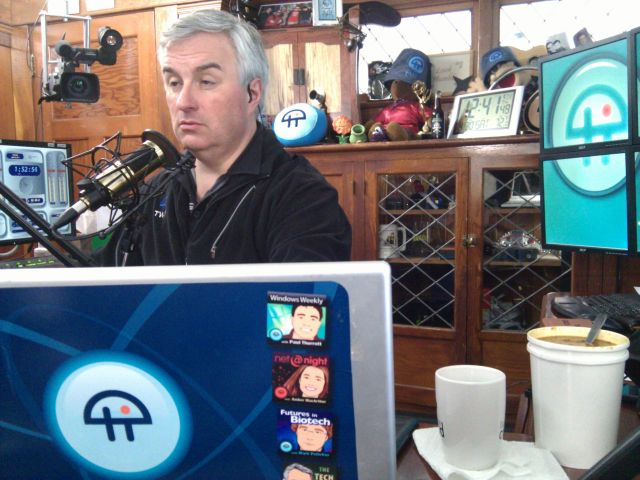 [Snapshot: lunchtime on the Leo Laporte show]