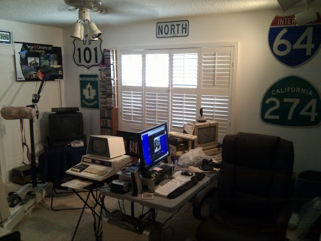 [Snapshot: the nerd room. I mean, the office.]