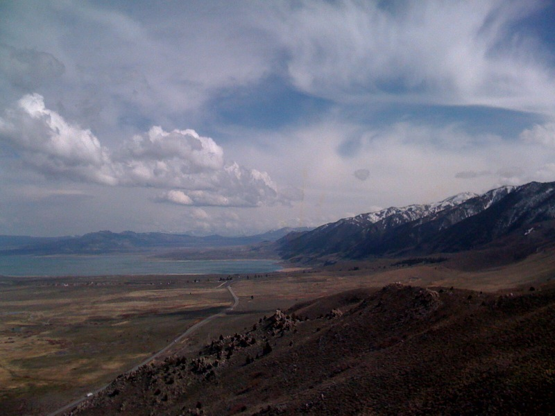 [Snapshot: Mono Lake and snowy Sierras from Conway Summit 8,138']
