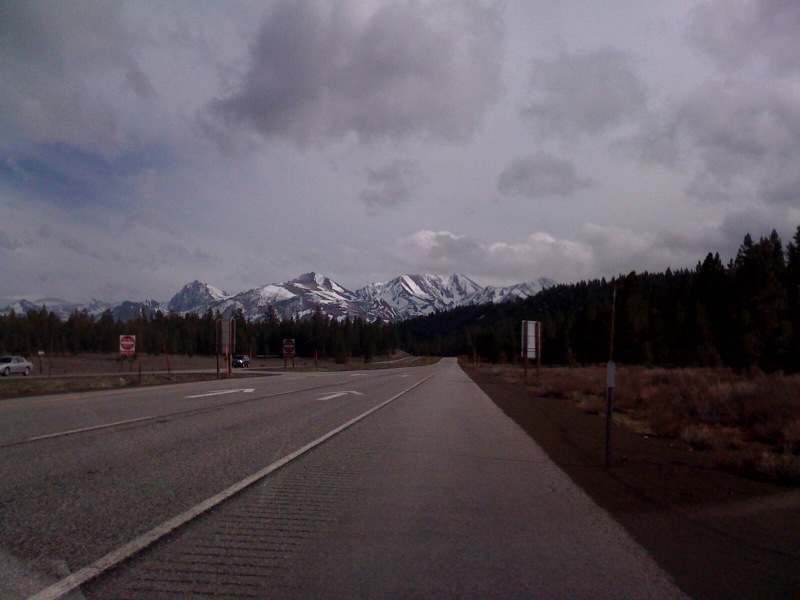 [Snapshot: US 395 S past Mammoth back to home base]